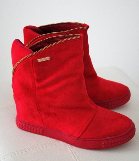 7248bfb944 Červené topánky Mina