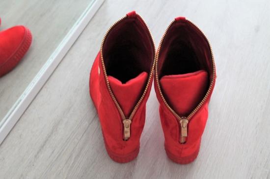 d907eab551 Červené topánky Mina ...