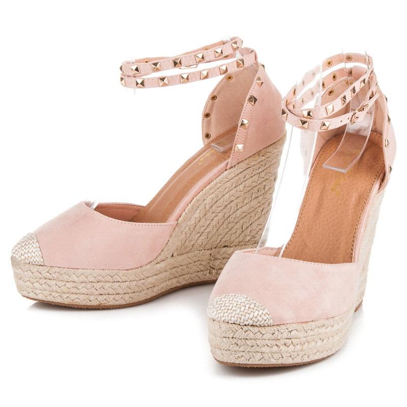 01dc6eda9e0bd Ružové semišové sandále Lovi Ružové semišové sandále Lovi ...