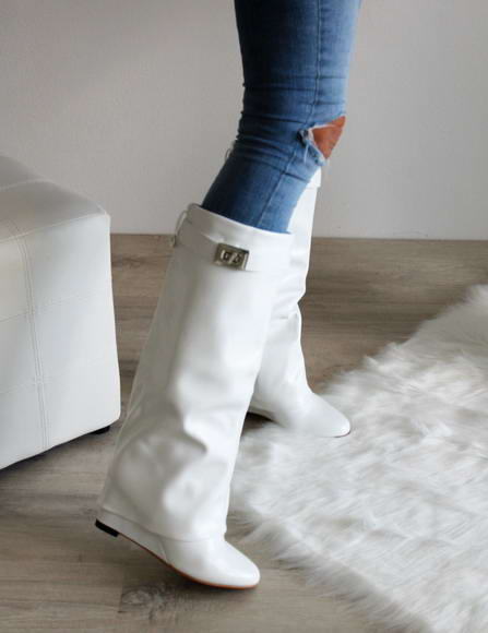 573f874e58 Biele čižmy Linda