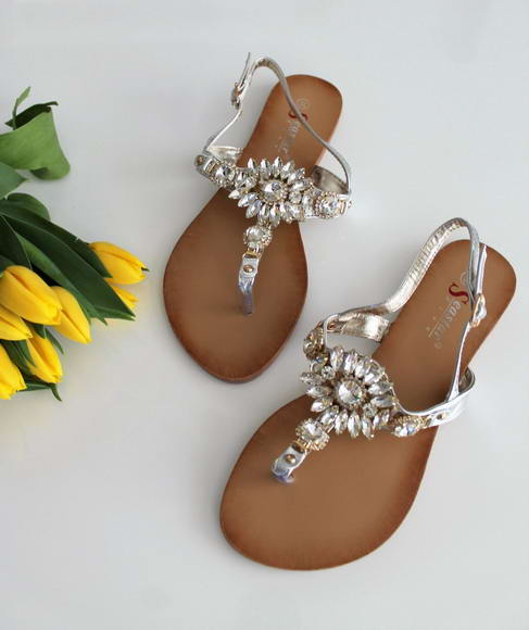 ca4f81db1a03 Strieborné sandále Adria
