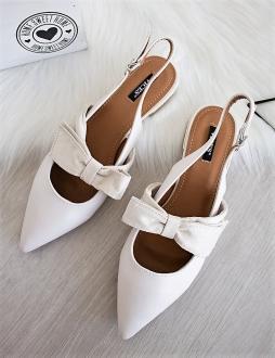 0ec3ef3dd167 Béžové sandále Fortina