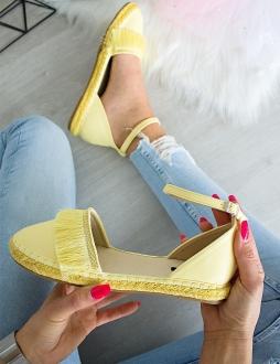 8b00385042e4 Žlté sandále Oktavia